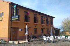 Albergue_Piedras_Blancas_Reliegos_terraza-2