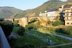 2.-Leaving-Villafranca-de-Bierzo