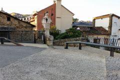 2.-Pilgrim-statue-Villafranca-de-Bierzo.jpg-2