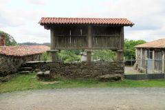 10.-Horreos-near-San-Xullian-1