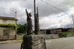 8.-Pilgrim-statue-on-leaving-Palais-de-Reis-1