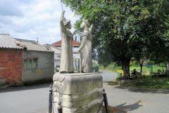 8.-Pilgrim-statue-on-leaving-Palais-de-Reis-2