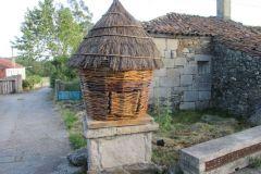 3.-Iglesia-de-Santa-Maria-Leboreiro-2