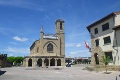 20. obanos-church-in-the-centre-square