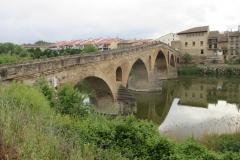 2. puente romanico de puente la reina (2)