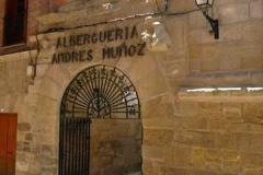 11. Municipal aubergue Viana (1)